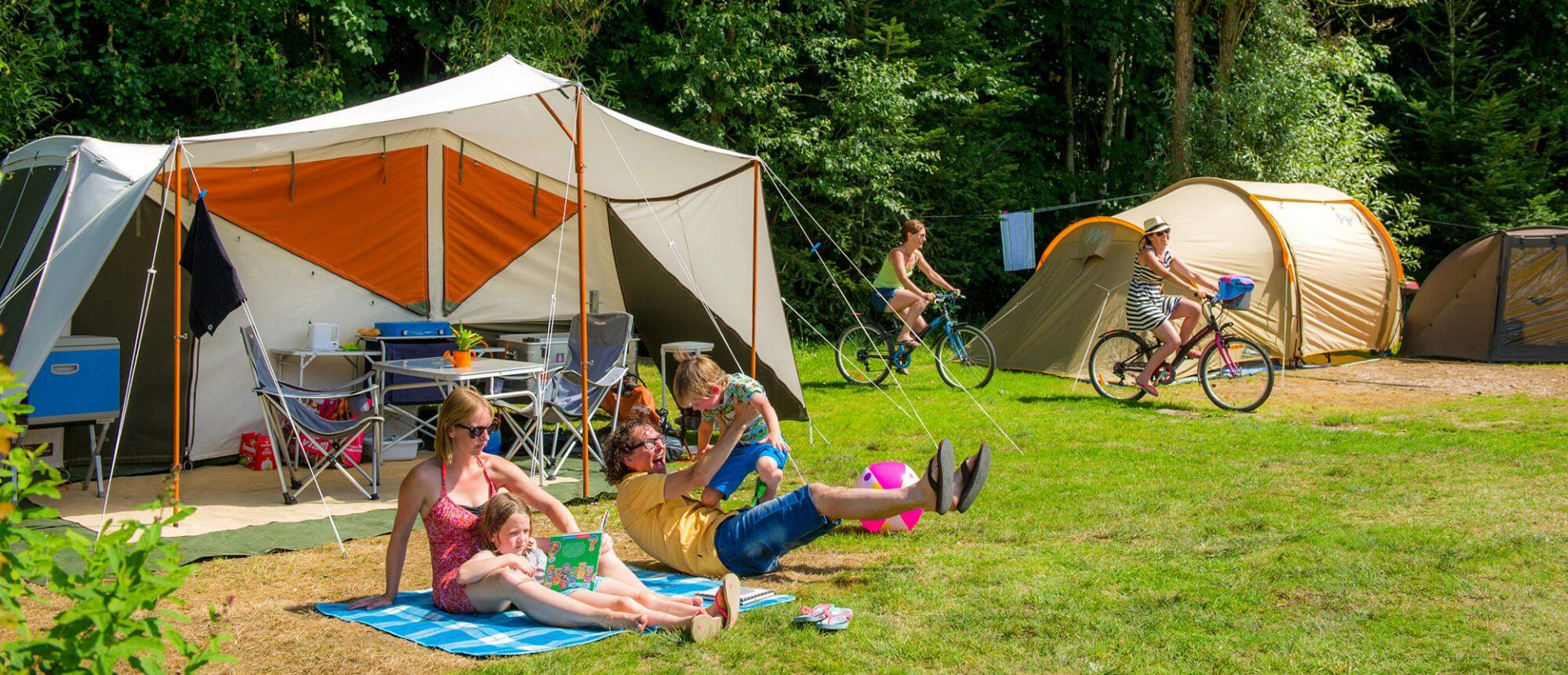 Camping Clos De La Chaume : 1 Emplacement Camping Vosges