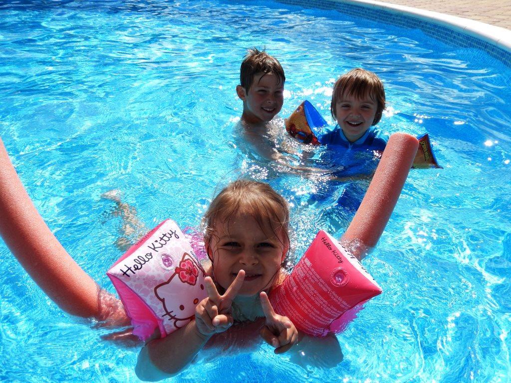 camping met zwembad in gerardmer camping au clos de la chaume