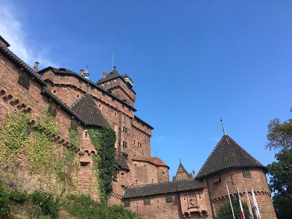 Camping Clos De La Chaume : Vue Extérieur Du Chateau Haut Koenigsbourg