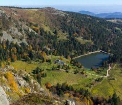Camping Clos De La Chaume : Vue Panoramique Du Parc Naturel Des Ballons Des Vosges Fromat Carré