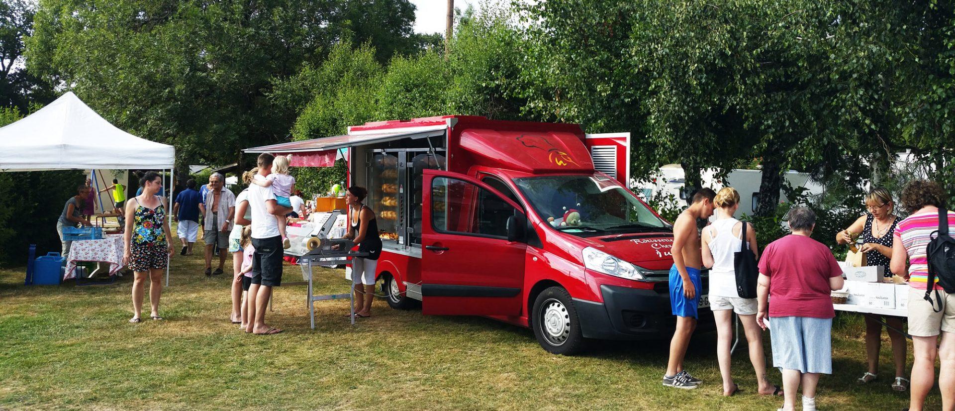Camping Clos De La Chaume : Poulets Rotis Haute Saison Camping Au Clos De La Chaume